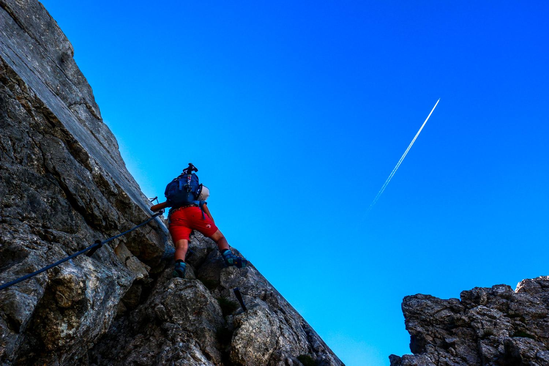 Anja mitten in einer Kletterpassage, Ellmauer Halt