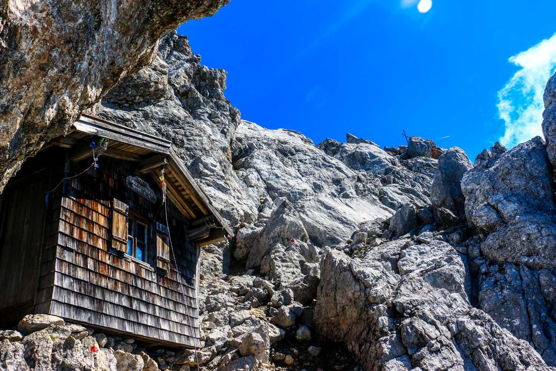 Biwakhütte kurz vor dem Gipfel, Ellmauer Halt