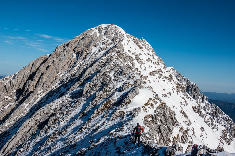 Sandro bei der Gratkletterei zum Gipfel, Lugauer