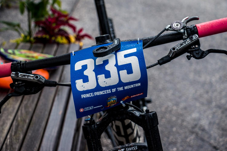 Anja´s Bike mit der montierten Startnummer im Zillertal