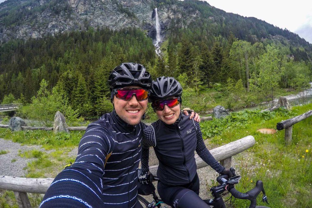 Bikepacking zum Großglockner: Vorbei am Jungfernsprung Wasserfall nach Heiligenblut mit dem Rennrad